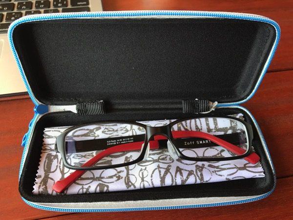 zoffのメガネケースはレンズ交換でももらえる
