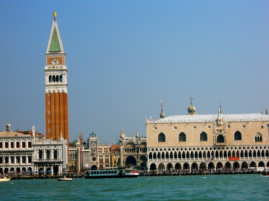 Amsterdam vs Venice