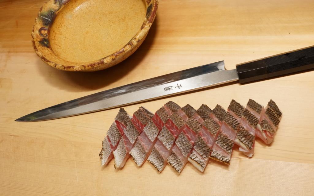 イサキの焼霜造りの切り方