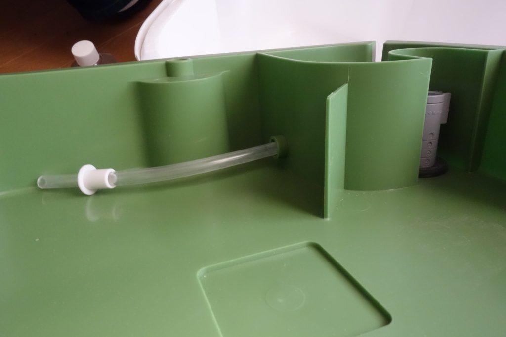 SANEIの水耕栽培装置の吸入と排出の様子