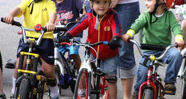 ここ数年で加入者増加中!?「自転車保険」の歴史を調べるお