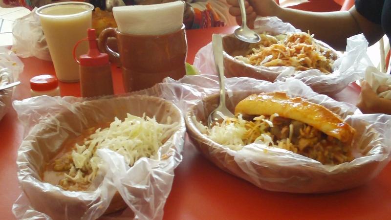 Torta Ahogada y Taco con carne