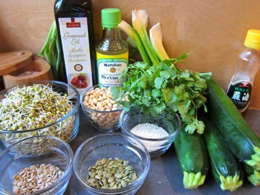 zucchini salad, grated zucchini salad, sprouted mung beans, raw food, vegetarian food, vegetarian recipe, vegan recipe, raw recipe, salad salad recipe, healthy recipe, recipe, recipes, food, zucchini, mung beans