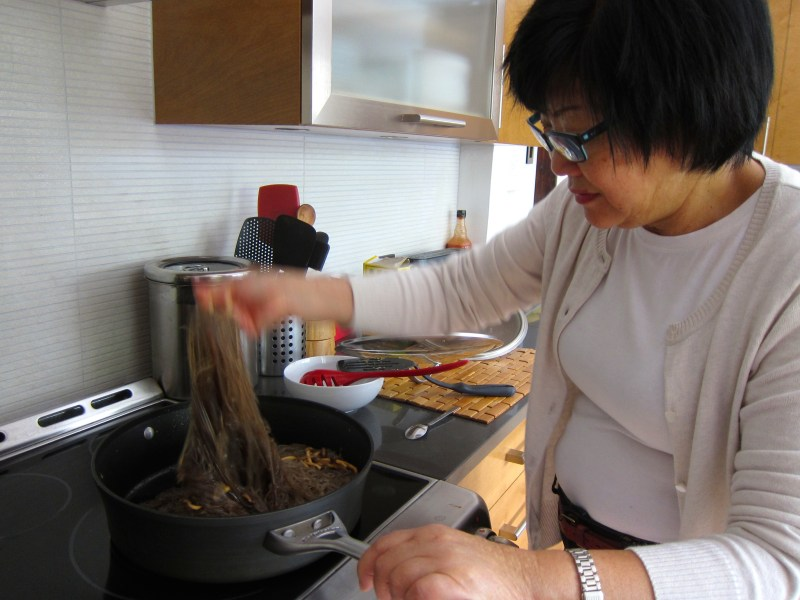 Cathy Li cooking Korean Glass Noodles