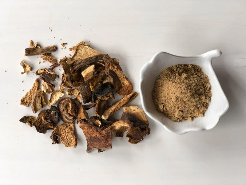 dried mushrooms and powdered mushrooms