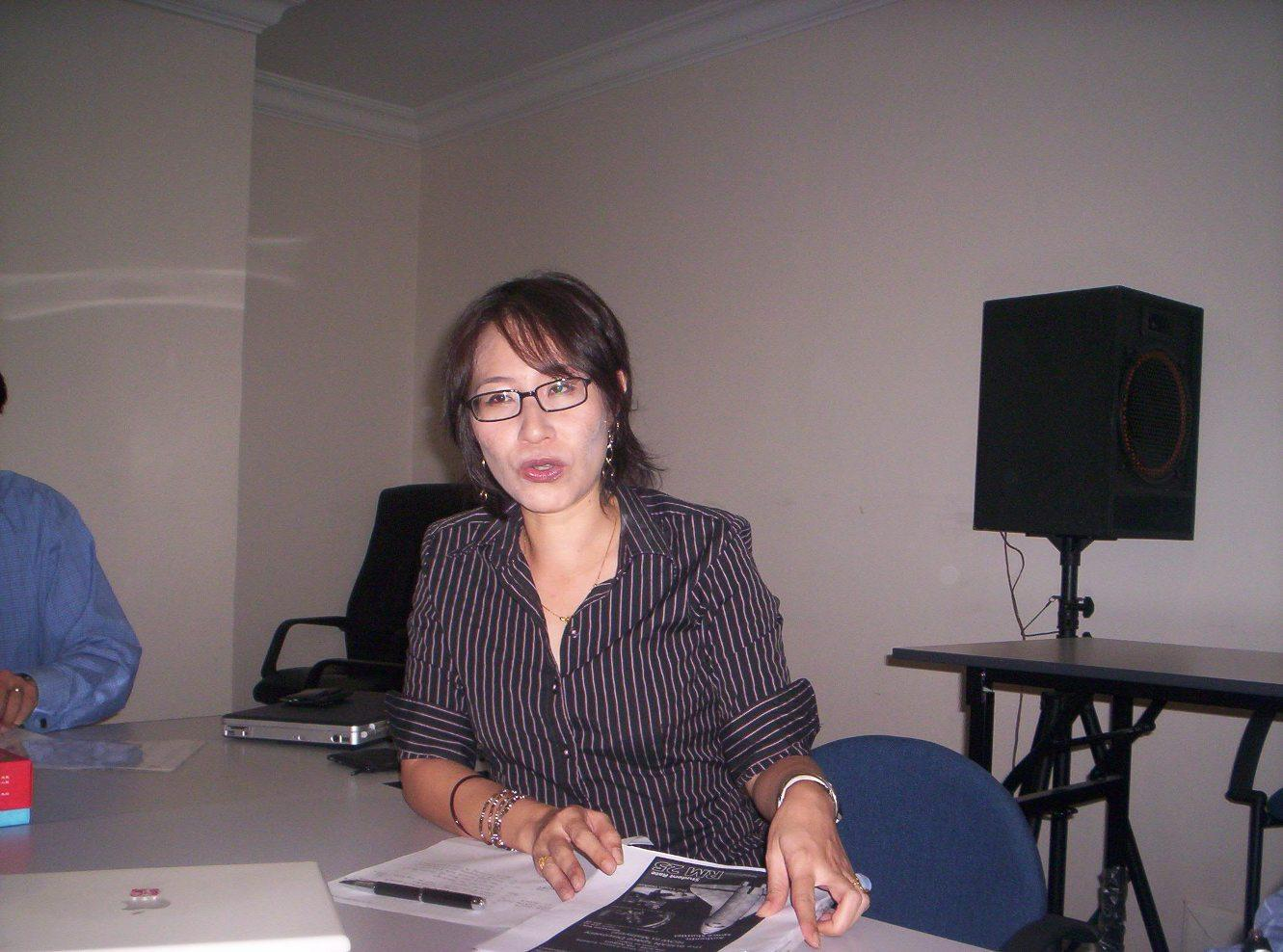 ** Malaysian-Shares Blogspot **: Elizabeth Wong Photo And