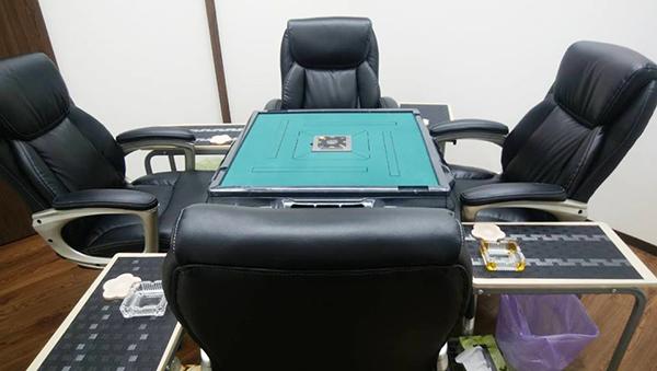 座り心地の良い椅子で麻雀できます