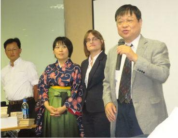 2016年に開催された指導対局で来タイした(写真左から)高田七段、北尾2段、カロリーナ1級、小林九段
