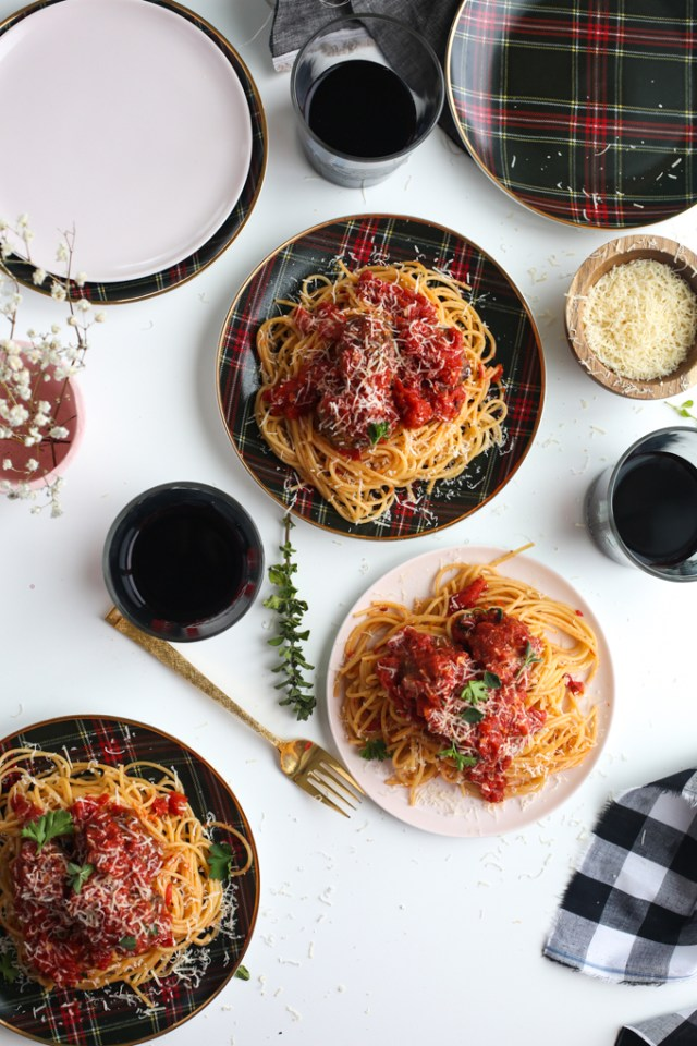 spaghetti-meatballs-sunday-dinner-16
