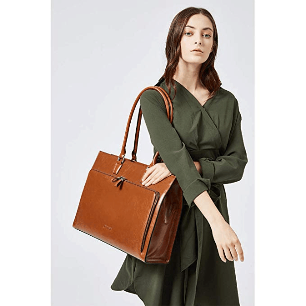 model with the bag