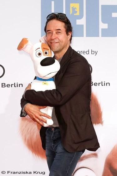 Am 20. Juni feierte in Berlin der Animatiosspaß PETS Premiere, in dem Jan dem süßen Terrier Max seine Stimme leiht. (Foto: Franziska Krug)