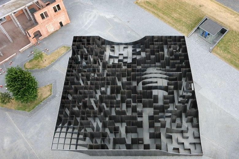 domus-12-labyrinth