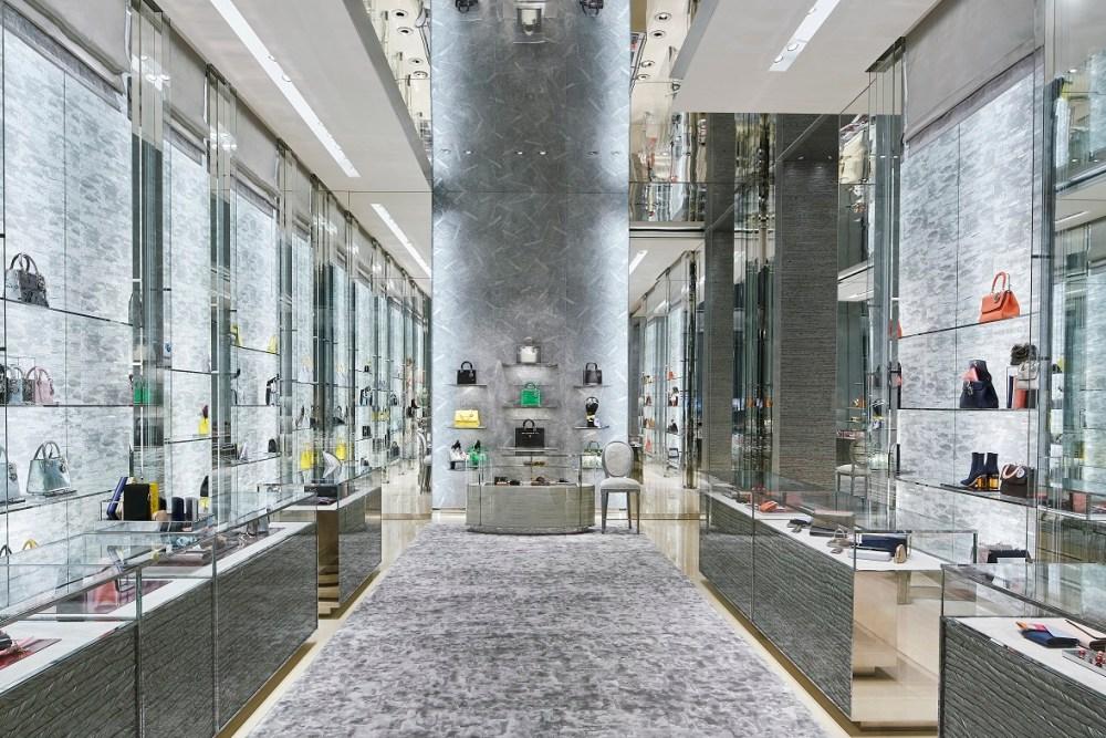 dior-boutique2-by-bakas-algirdas