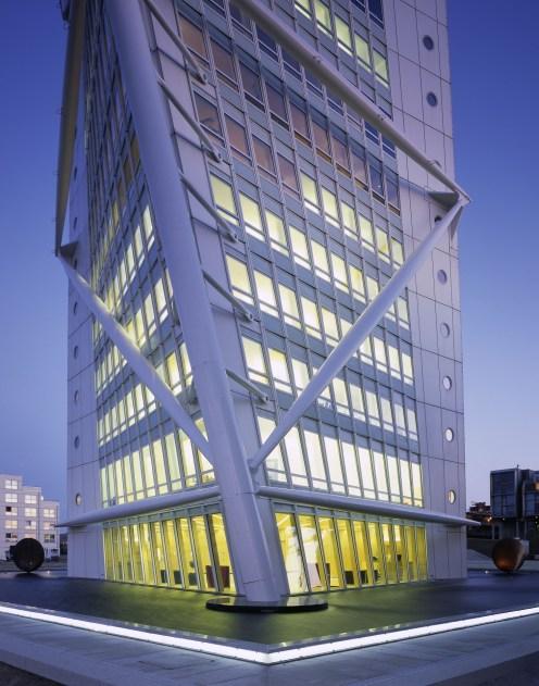 Office + Apartment building Architect: Santiago Calatrava