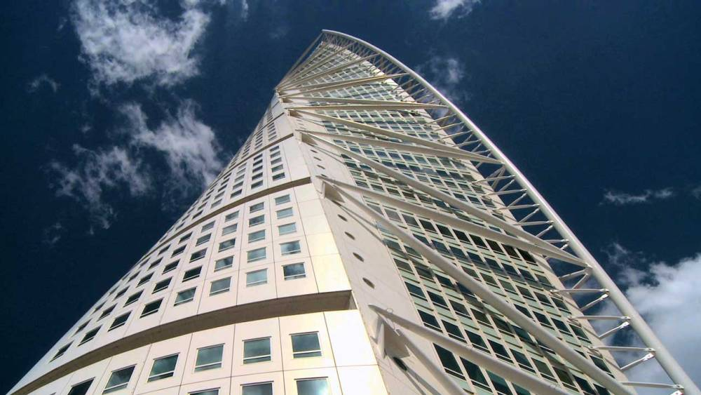 Twisting_tower_South1280