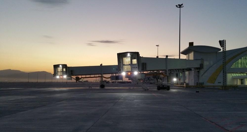 Copyright_Kaan_Ozan_Turkmen_tkE_passenger_boarding_bridges_Ashgabat_Airport