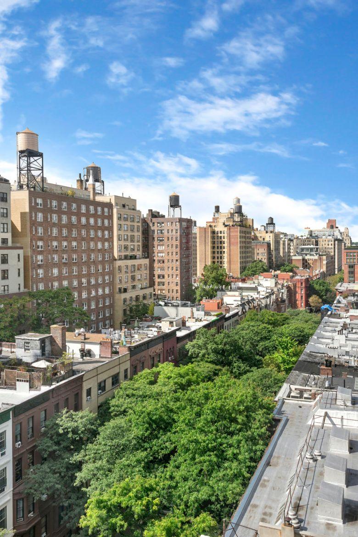 004 271 Central Park West