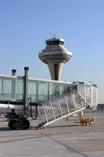 thyssenkrupp_Elevator_Madrid_Airport__2_