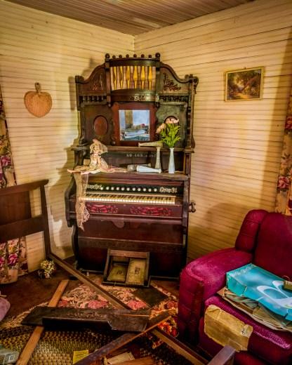 Organ - Abandoned Home — © jj raia