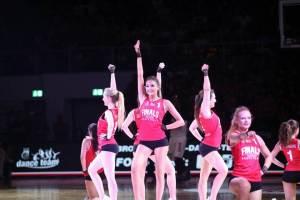 Luisa im Team der Brose Bamberg Dancers