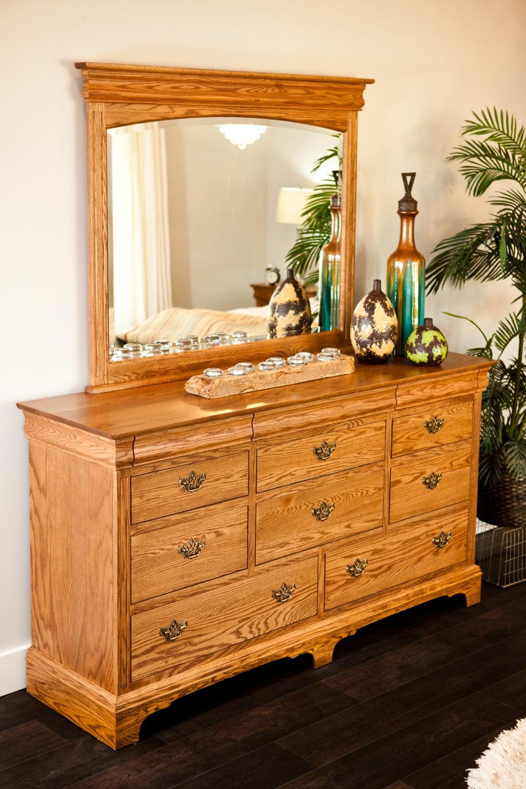 Edinburgh Dresser