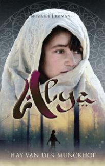 De cover van Alya door Hay van den Munckhof
