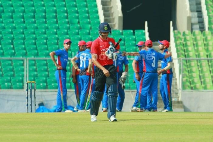 Qamran Iqbal dismissed cheaply, scores 5