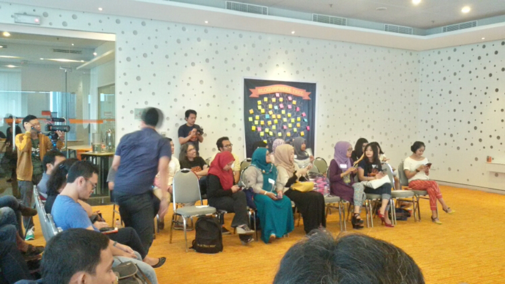 Happy National Blogger's Day #kumpulblogger (2/6)