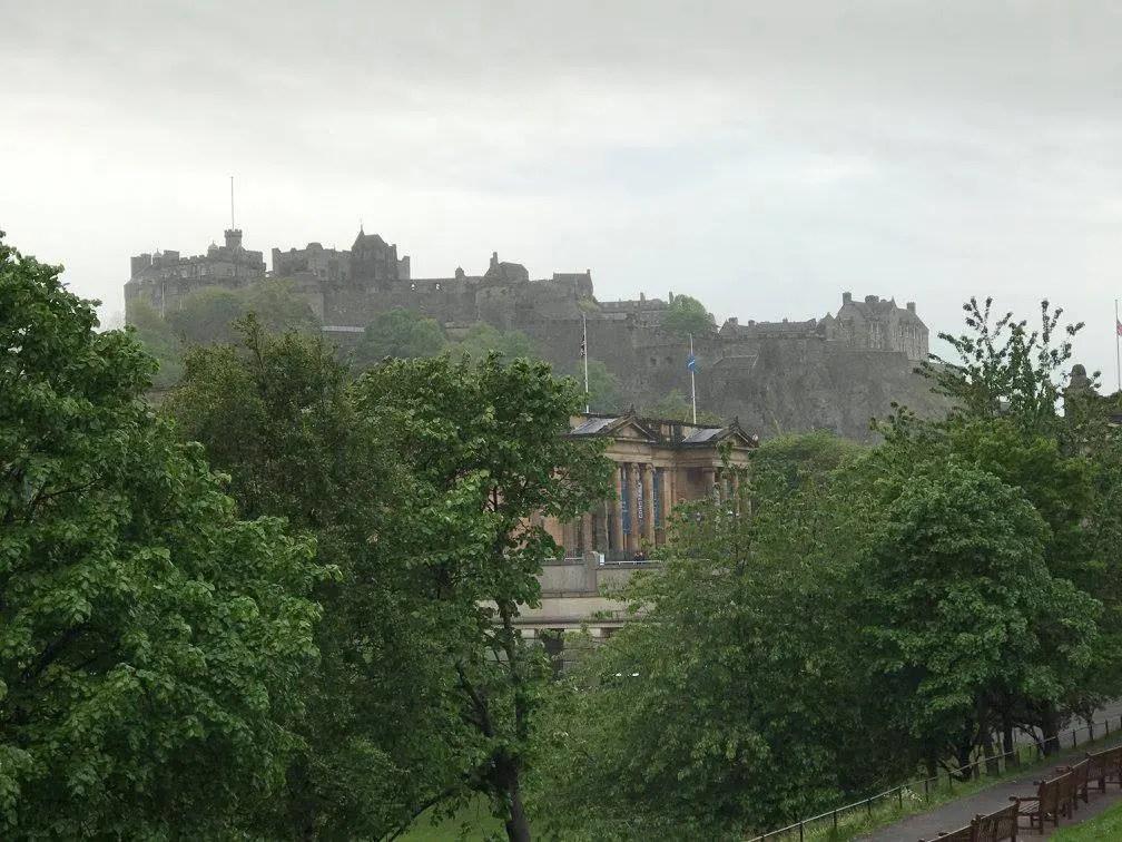 Edinburgh Castle, a return trip