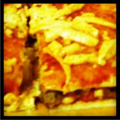 tortilla pizza vegan pepperoni crumble