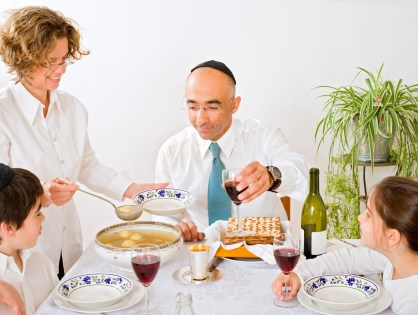 4 Ways To Keep Jewish Traditions Alive In An Interfaith Family
