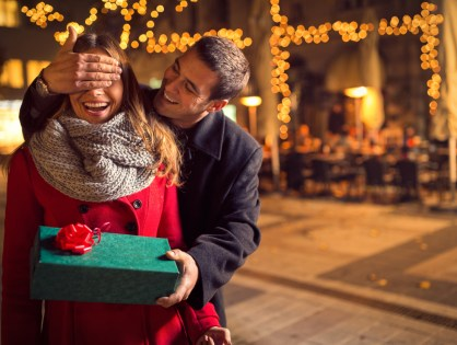 How To Choose A Valentine's Day Gift Based On The Love Languages