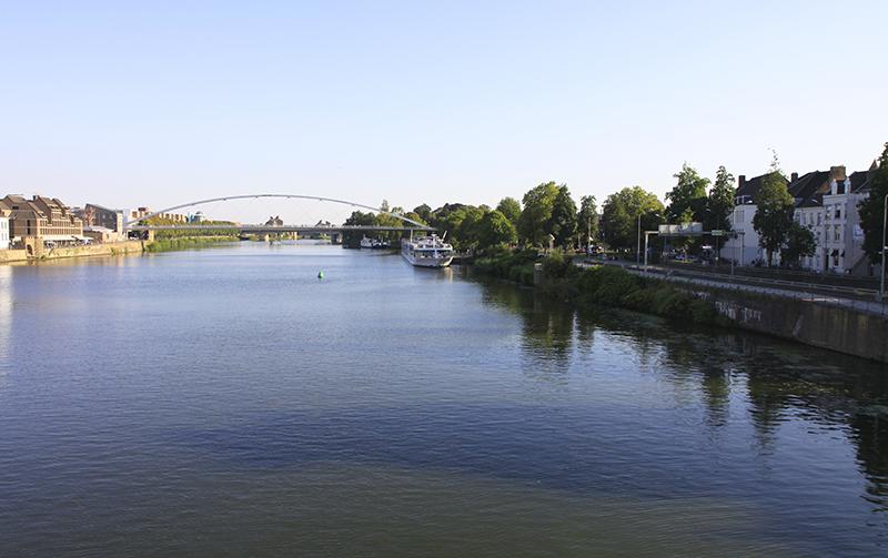Over de Maas in Maastricht