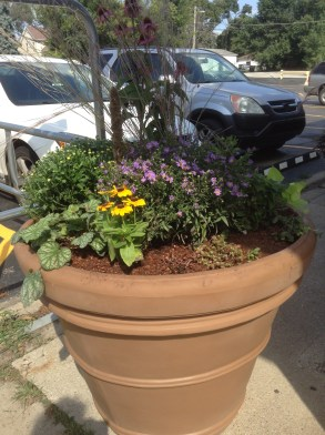 Another view of the finished planter.