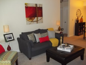 https://jmarieinteriordesign.wordpress.com/2014/08/18/apartment-makeover/