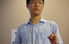 機場發展關注網絡發言人巫堃泰表示,種種數據顯示興建三跑弊多於利。(溫嘉雯攝)