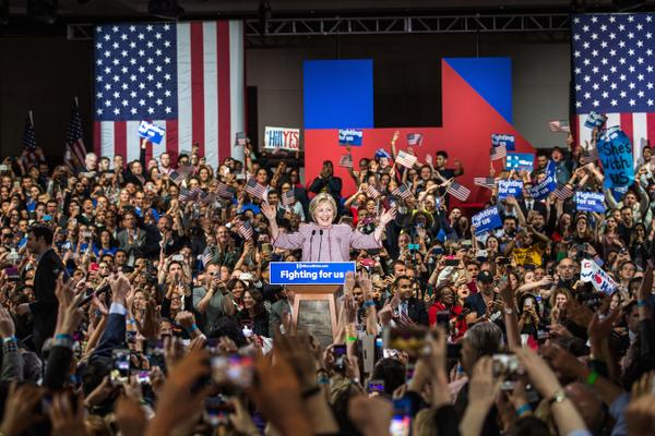 民主黨希拉里勝出紐約州初選,認為自己勝利在望。(網上圖片)