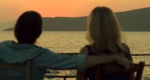 """《愛在午夜希臘時》的""""Still there…gone""""一幕像暗示兩人關係。"""