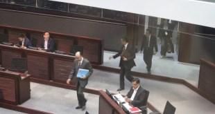 運輸及房屋局局長陳帆指不存在將公屋封頂的說法。(林洛堯攝)
