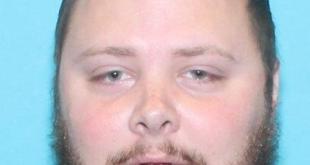 當地警方表示,疑兇26歲的凱利在德州新布朗費爾斯居住,與案發現場相距約50公里。(德州警方圖片)