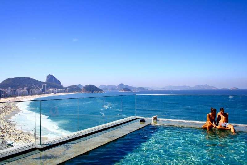 swimming-pool-unsplash