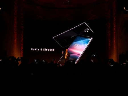Nokia 8 Sirocco slide