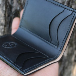 Vertical billfold wallet