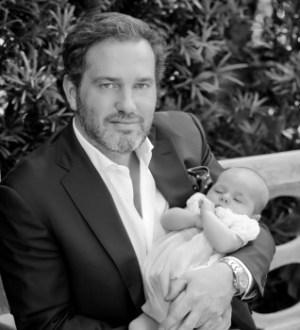 El empresario Christopher Paul O'Neill con su hija la princesa Leonore en Estocolmo en el 2014 (Foto: Kungahuset.se )