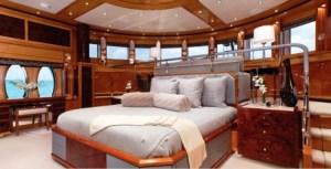 A bordo del «M/Y Mia Elise» hay camarotes de lujo para 12 invitados atendidos por una tripulación de 9 personas. (Foto: folleto agencia)