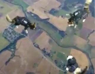 El viral de los gatos paracaidistas suecos triunfa en Internet. (Foto: cap)