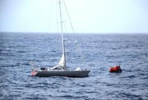 El estado del mar con vientos de unos 30 nudos por hora del sureste, alejaba el bote del velero. - PULSAR EN LA FOTO PARA AMPLIAR - Todas las fotos cortesía de tripulación y pasajeros.
