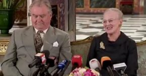 La reina Margarita y su marido el príncipe Henrik al comienzo de la rueda de prensa. (Foto: captura TV)