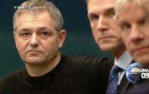 Un investigador danés sufre un infarto mientras participa en directo en un debate en la televisión danesa. (Foto: captura)