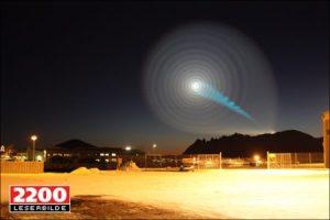 En esta foto se puede ver el fenómeno luminoso captado por el fotógrafo Jan Petter Jørgensen con su cámara sobre un trípode y en exposición lenta. (Foto: Aportación de un lector al diario VG) - PULSAR PARA AMPLIAR -
